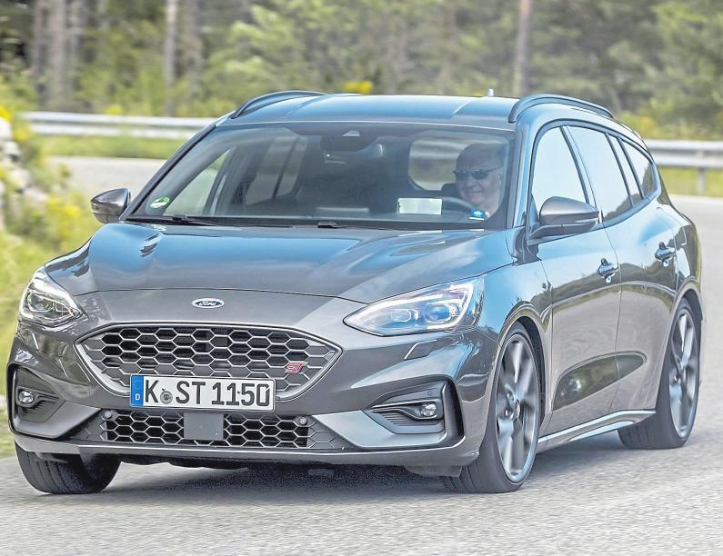 Der Ford Focus ST setzt Maßstäbe in puncto Design sowie Technologien und beweist, dass teilautonomes Fahren keine Zukunftsmusik mehr ist. Das Autohaus Segbert zeigt das Fahrzeug auf der Automeile. Foto: Ford