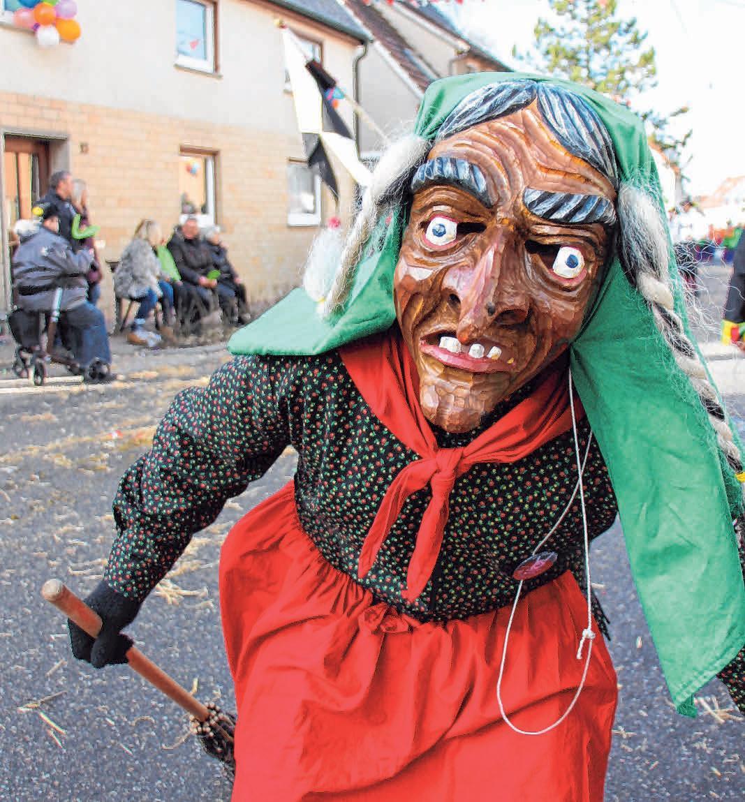Die Hexen sind die jüngste, gleichzeitg die größte Maskengruppe des Schwarz-Vere-Narrenvereins.