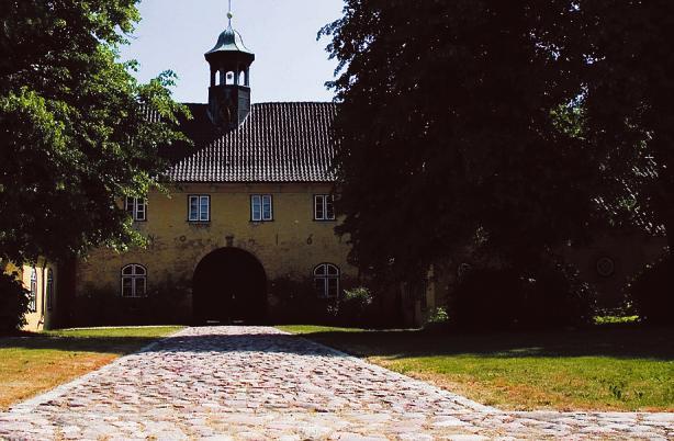Zeitensprung: das Jersbeker Torhaus Foto: TMS/Brunsen