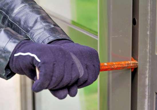 Der Einbruchschutz sollte nicht vernachlässigt werden. FOTO: STOCK.ADOBE.COM