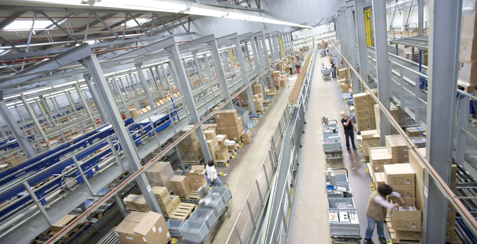Lieferketten in Gang halten und gleichzeitig Schutz und Sicherheit der Mitarbeiter im Blick behalten – mit Beginn der Pandemie wurde die Transport- und Logistikbranche vor große Herausforderungen gestellt. Foto: BLV