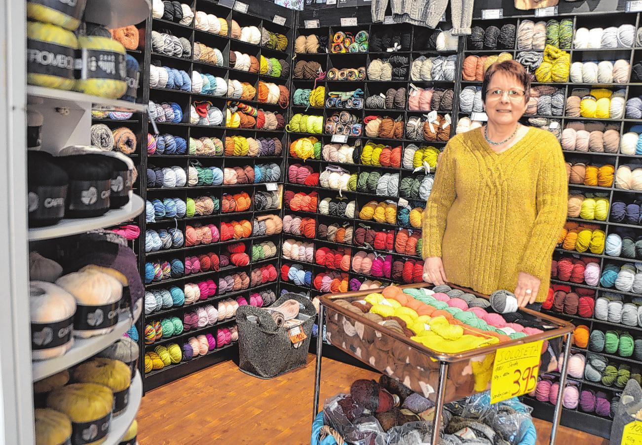 Kornelia Herr ist seit 27 Jahren in Eilbek und bietet alles rund ums Stricken an Foto: kg