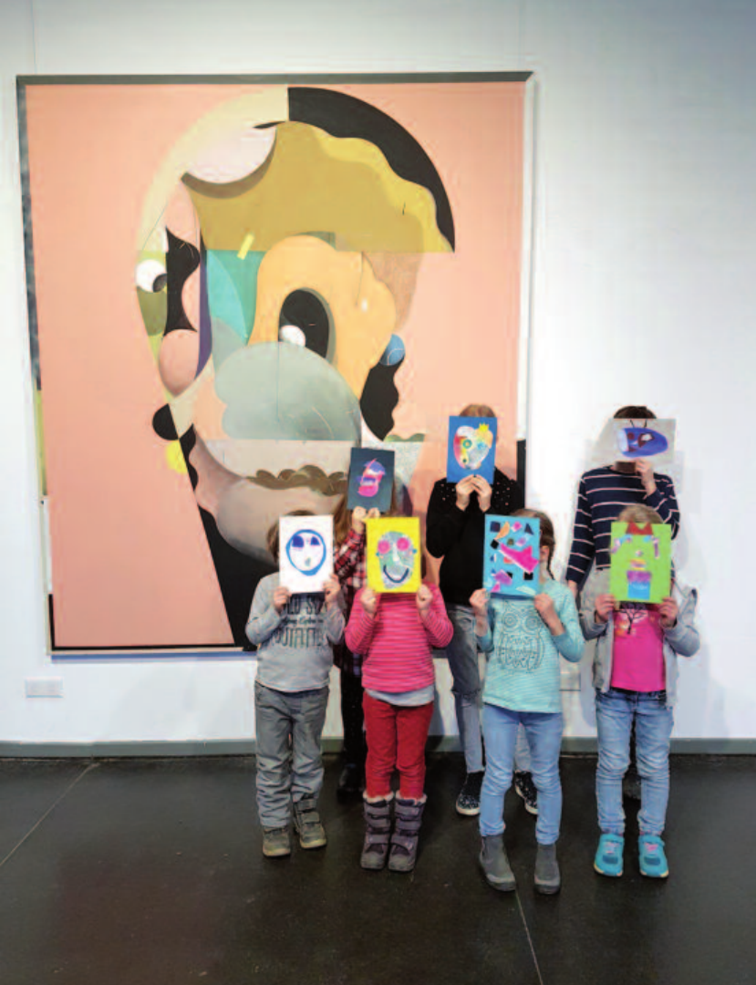Inspiriert von Henning Kles' Ausstellung im Ahrensburger Marstall schufen die Kinder Eigenes