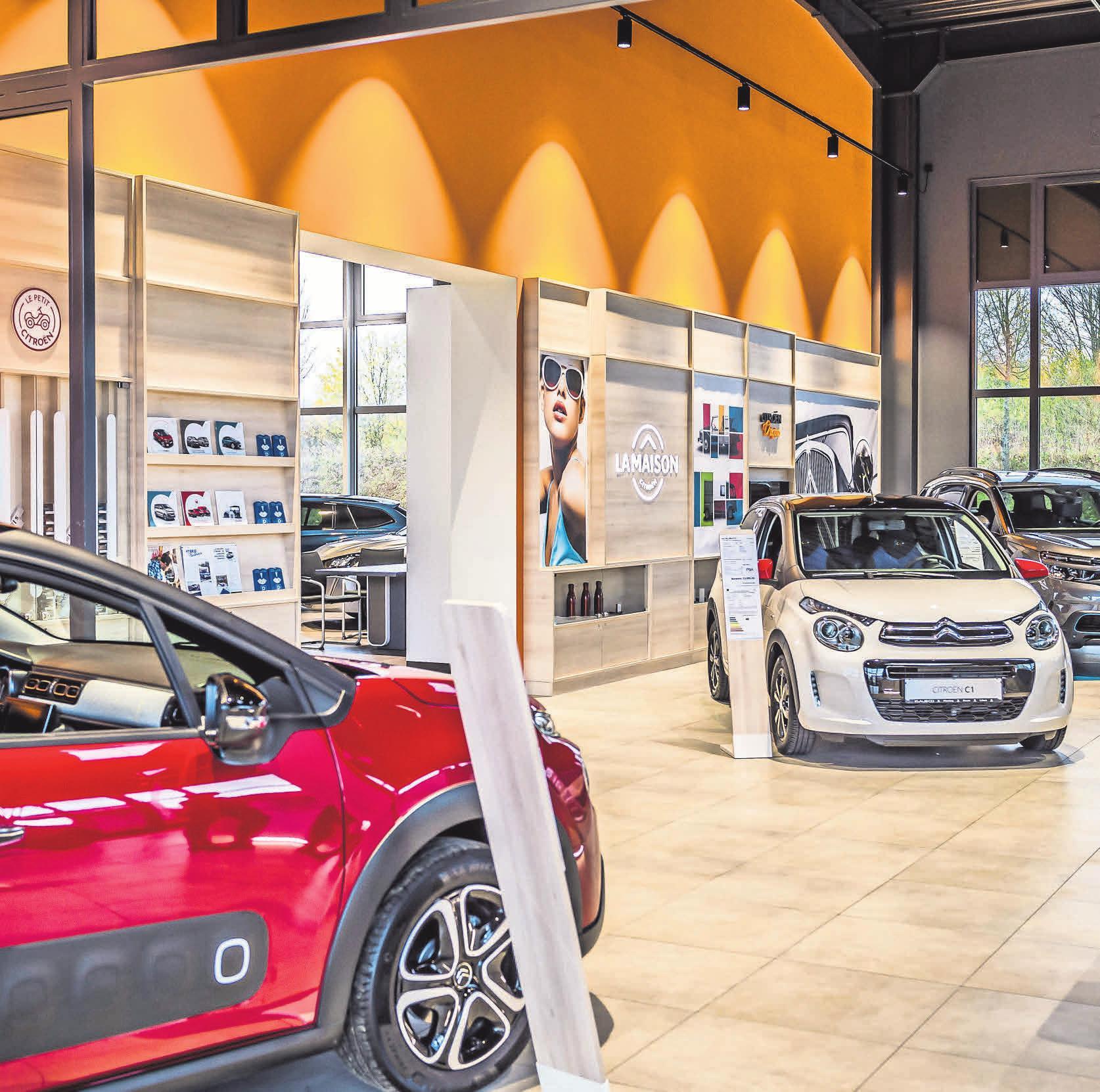 """Mit einer bewusst kleinen Verkaufsfläche setzt das urbane """"La maison""""-Konzept ausgewählte Fahrzeuge gekonnt in Szene"""