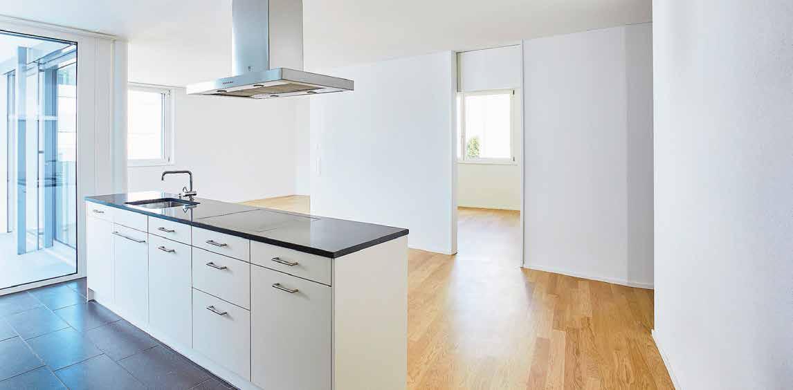 Küche und Wohnbereich 2½-Zimmer-Wohnung. Bilder: Donovan Wyrsch Fotografie