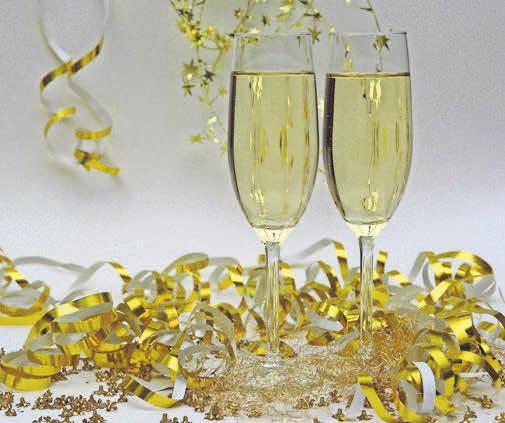 Wer gern mitfeiern möchte, sollte sich schnell einen Platz im Wunschrestaurant reservieren lassen.
