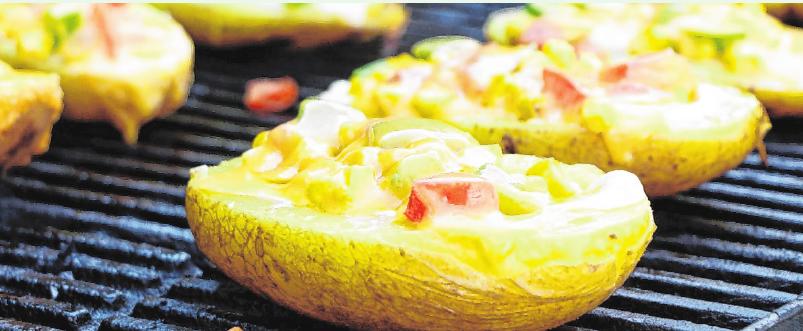 Nicht eingewickelt, aber schmackhaft: die knusprigen Kartoffelschiffchen. FOTOS: KMG/DIE-KARTOFFEL.DE