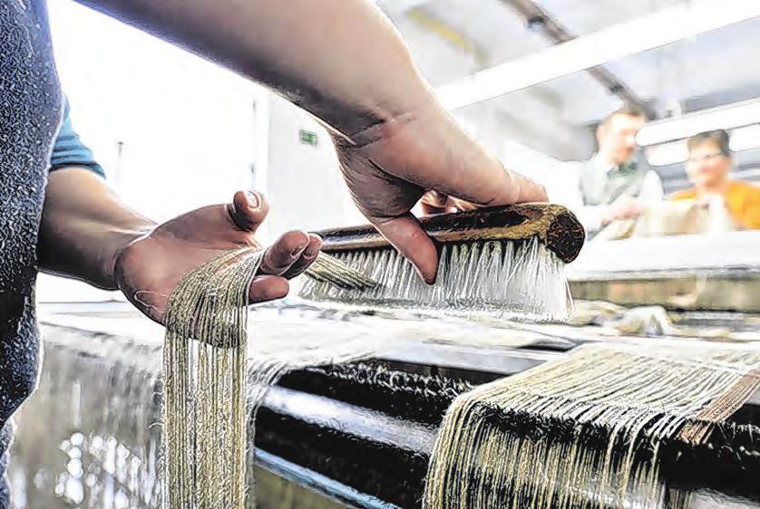 Herstellung von Leinen am Webstuhl Fotos: Weberei Vieböck