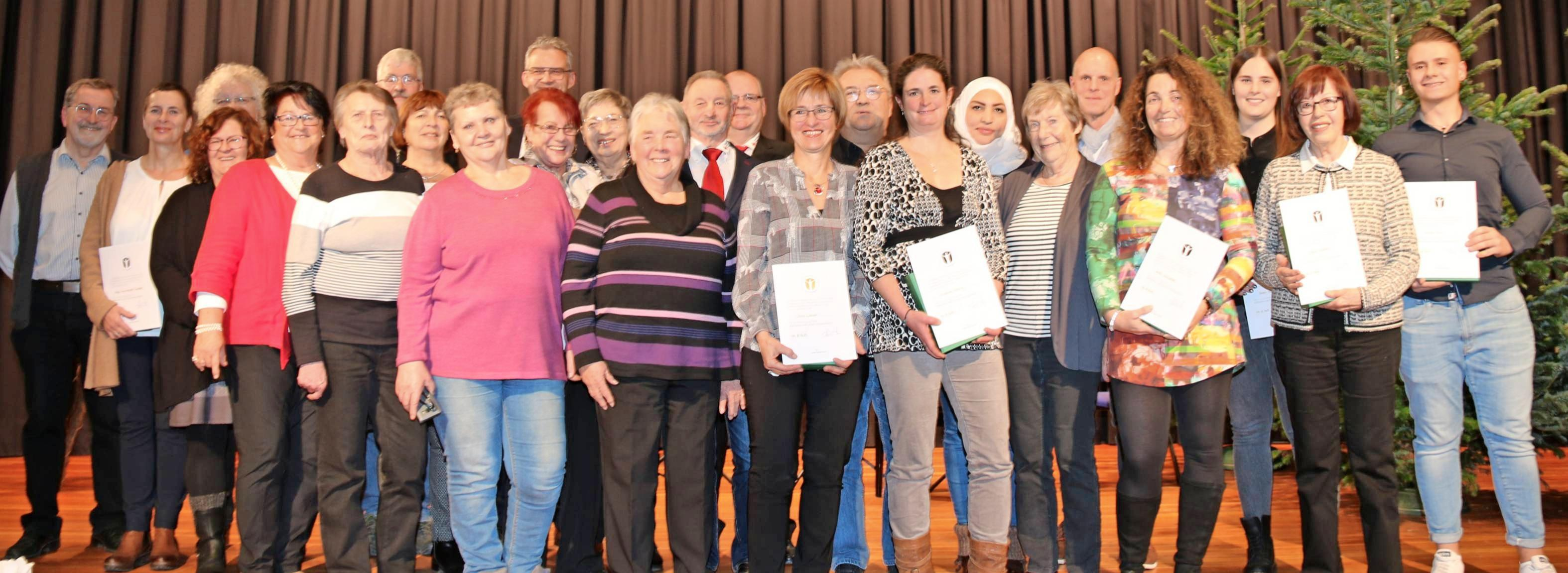 Beim neunten Ehrenamtsempfang in der Städtischen Musikschule wurden 15 Personen mit dem Ehrenamtspreis der Stadt Neckarsulm ausgezeichnet. Foto: snp