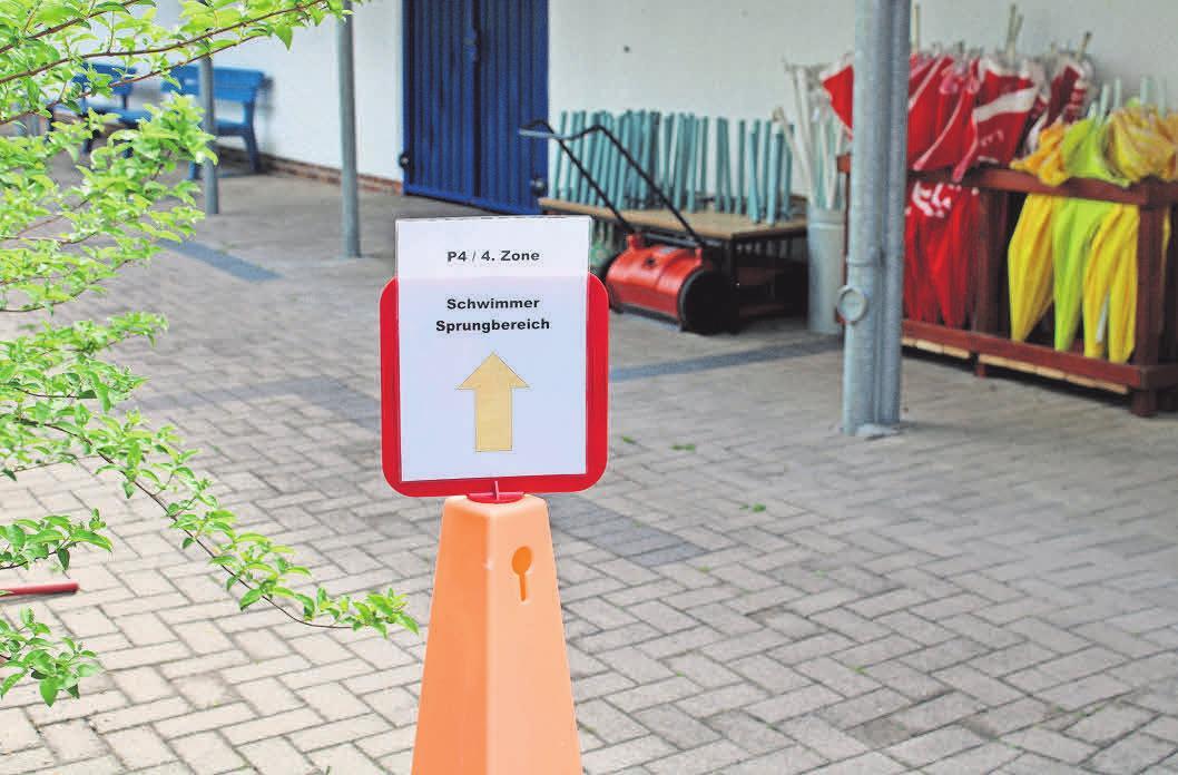 Direkt vom Eingang aus werden die Badegäste per Leitsystem über eine separate Zuwegung zu der von ihnen gebuchten Zone geführt.