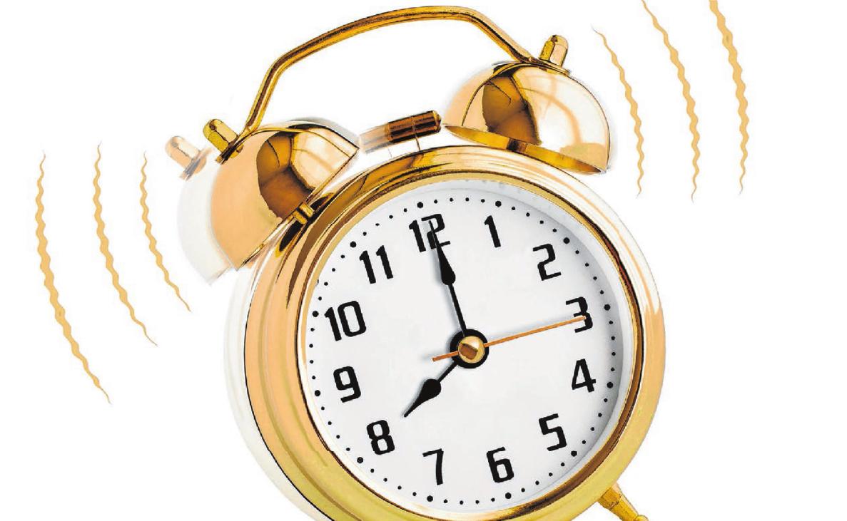 Auszubildende sollten sich unbedingt den Wecker stellen, damit sie nicht zu spät zur Arbeit kommen.Foto:© Andrey Kuzmin – Fotolia.com