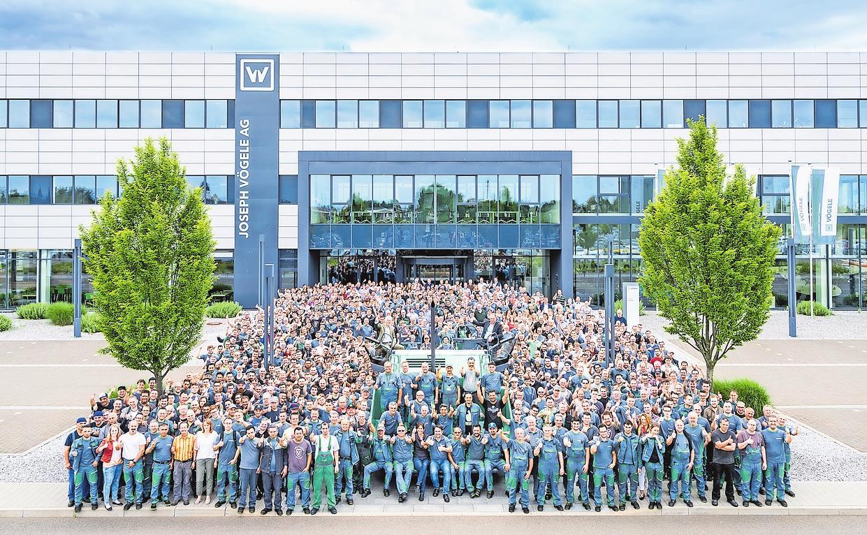 Die VÖGELE-Belegschaft ist ein starkes Team. FOTO: VÖGELE/FREI