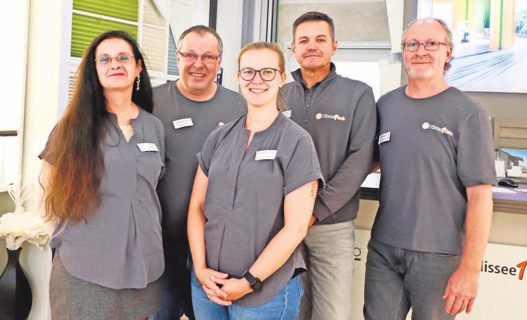Eine große Auswahl, handwerkliches Können und ein kompetenter Service – dafür steht das Team von Plissee1fach.
