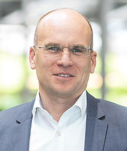 Philipp von Witzendorff ist Vorsitzender der Geschäftsführung der Porsche Zentren in Hamburg