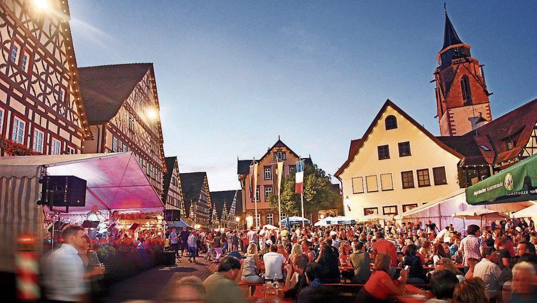 Ein beliebter Treffpunkt ist das alljährlich am zweiten Juliwochenende stattfindende Dornstetter Stadtfest.      Bild: Stadt Dornstetten