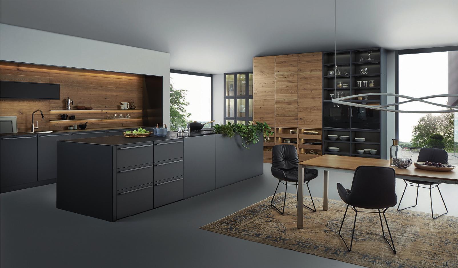 Leicht-Küchen-Ausstellung beim Crailsheimer HEM-Küchenstudio