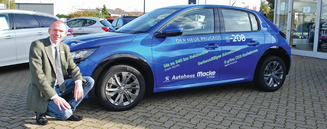 Probefahrt gewünscht? Im Autohaus Macke lädt Verkaufsberater Oliver Schulze dazu ein. © BIRTHE KUSSROLL-IHLE