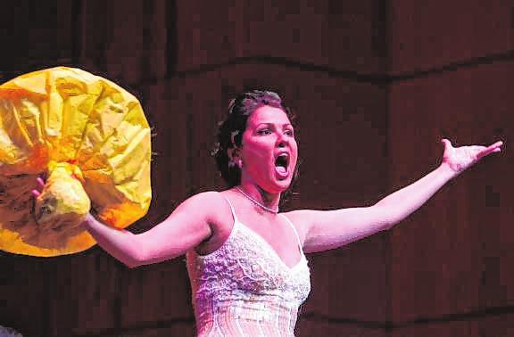 Eines der Glanzlichter in der BB-Geschichte: Anna Netrebkos exklusiver Auftritt im Rosengarten zum Stadtjubiläum 2007. BILD: PROSSWITZ
