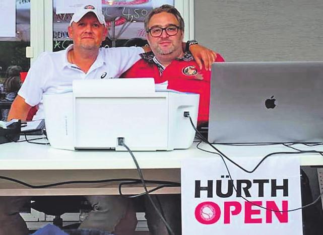 Dirk Böker (l.) und Stephan Honert leiten das Turnier Bild: TC Rot-Weiß Hürth-Gleuel