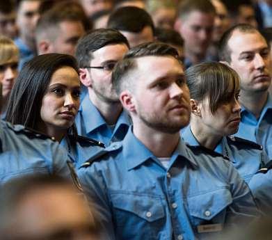 Herbst 2020: 600 von 6200 Kandidaten schafften es an die Polizeiakademie. FOTO: BERND VON JUTRCZENKA/DPA/PA