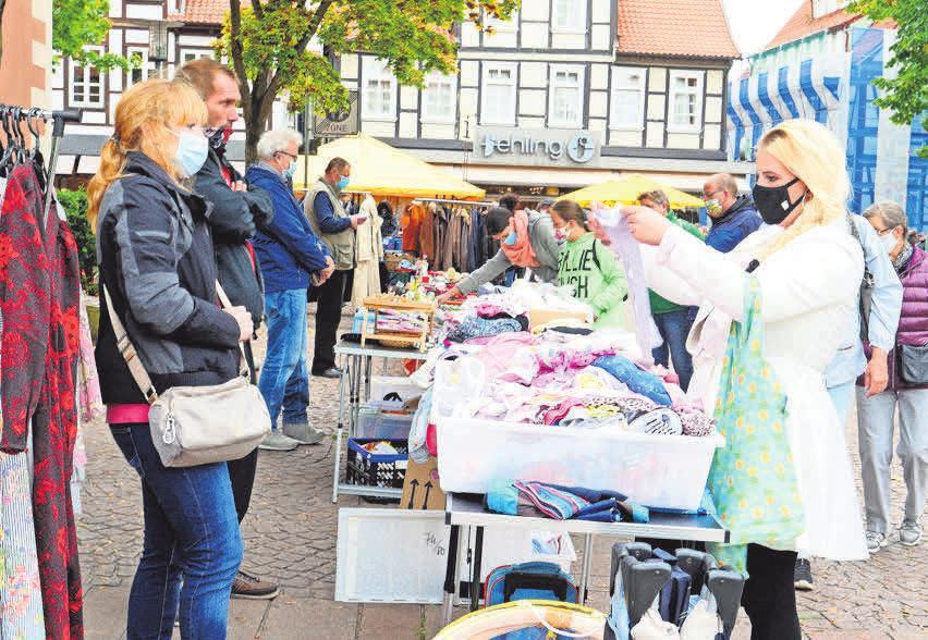 Auf dem Spittaplatz findet am Sonntag der legendäre Flohmarkt statt.