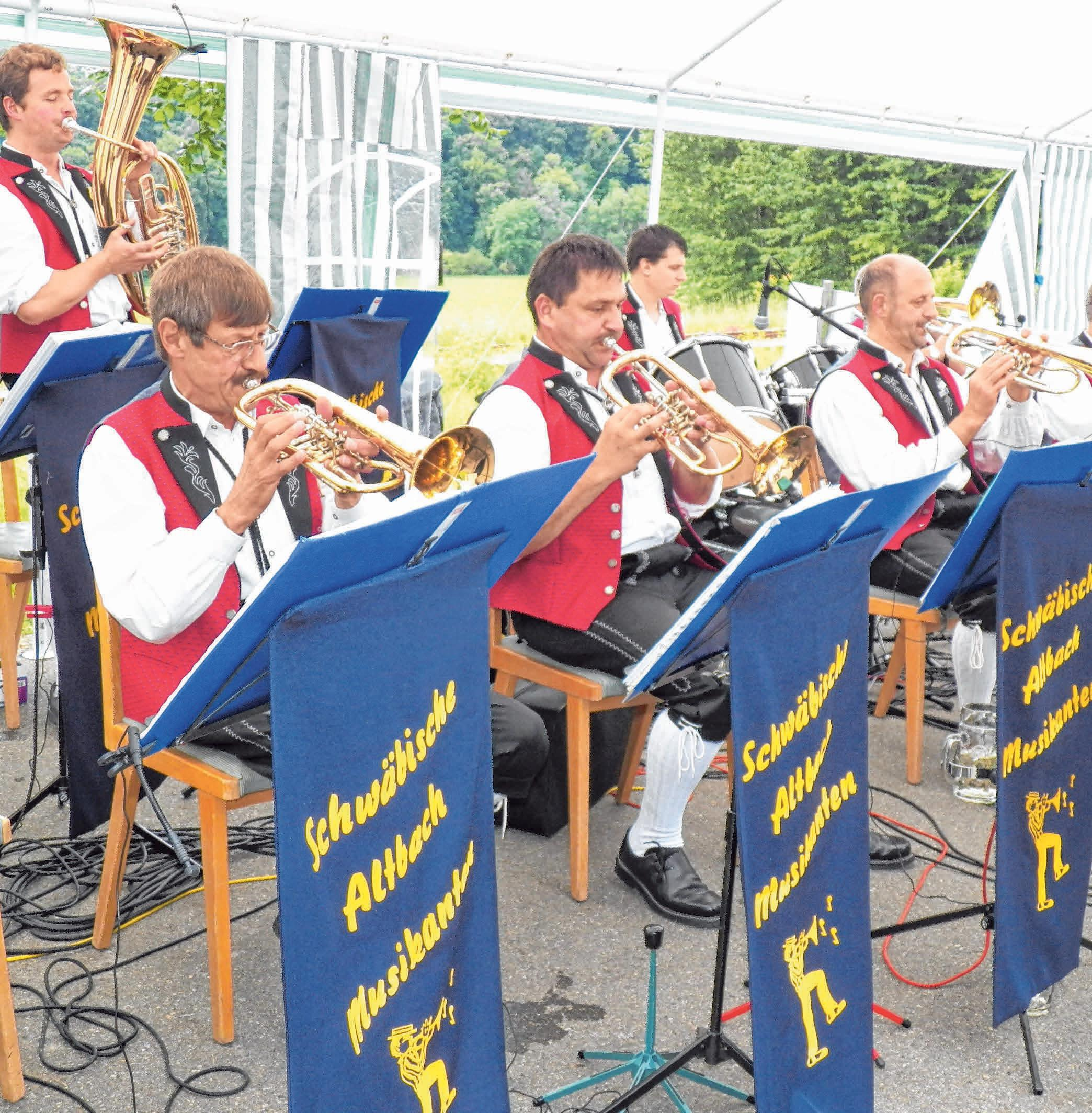 Die Schwäbischen Altbachmusikanten aus Pflummern spielen am Samstag. FOTO: TOBIAS GÖTZ