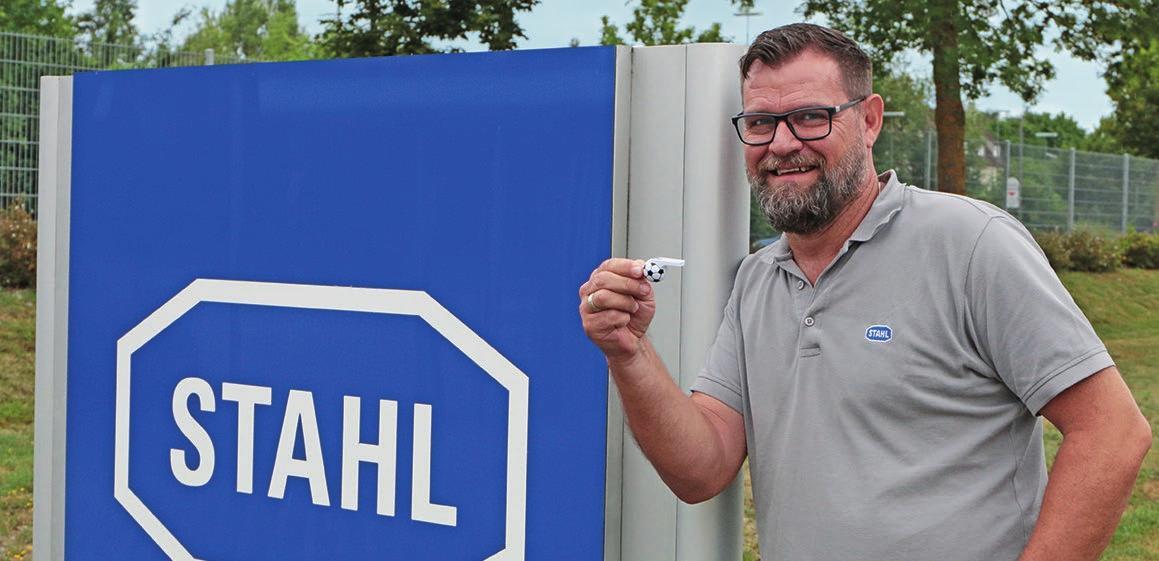 """""""Trainer"""" Mario Retzbach pfeift die """"neue Saison"""" an. Foto: R. Stah"""