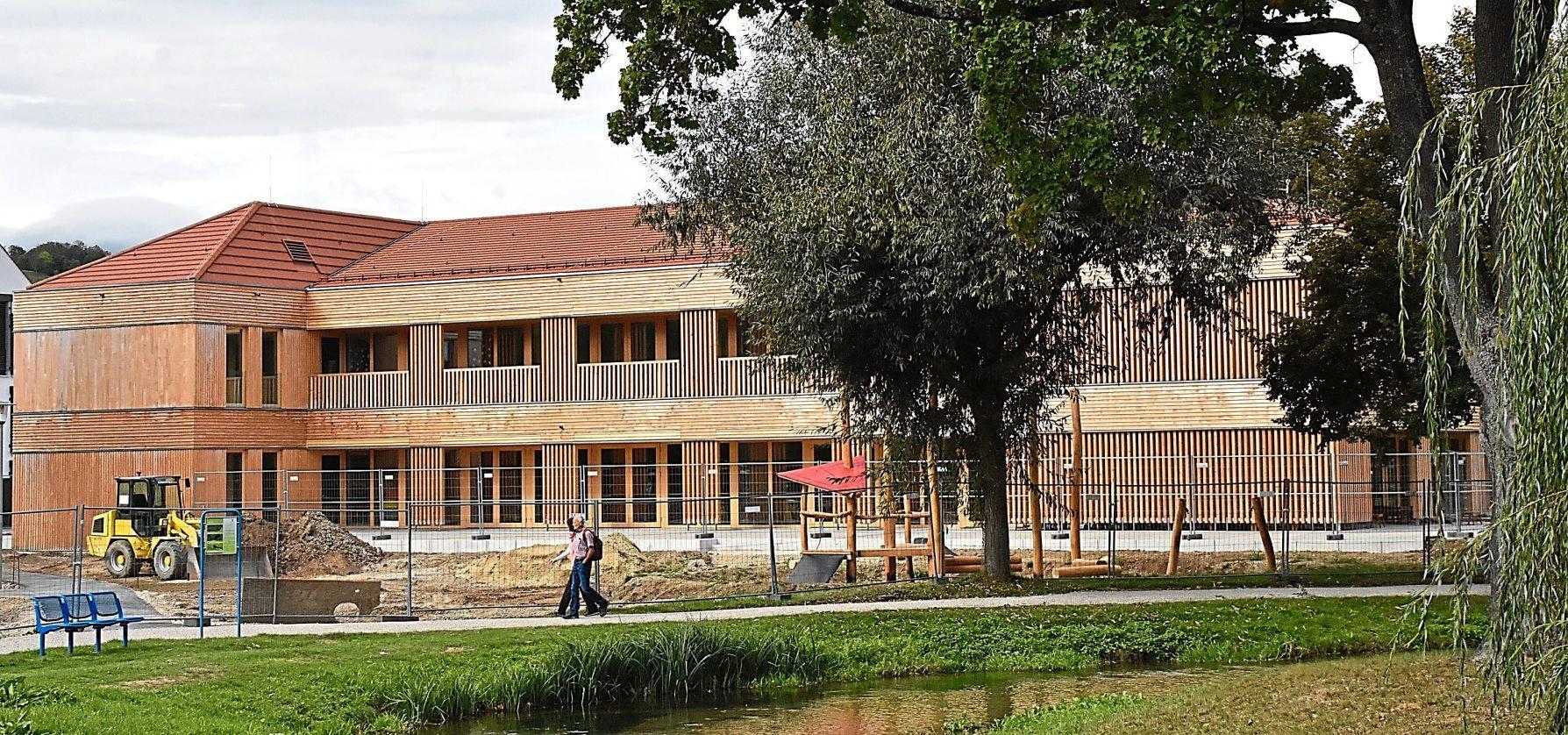 Der neue Franziskus-Kindergarten wurde in zeitgemäßer Holzbauweise errichtet. Er befindet sich in kirchlicher Trägerschaft. Fotos: Nusko