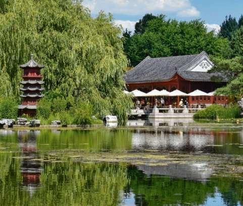 Ahnung vom Paradies. Auch Gärten wie hier in Berlin-Marzahn können interreligiös sein.