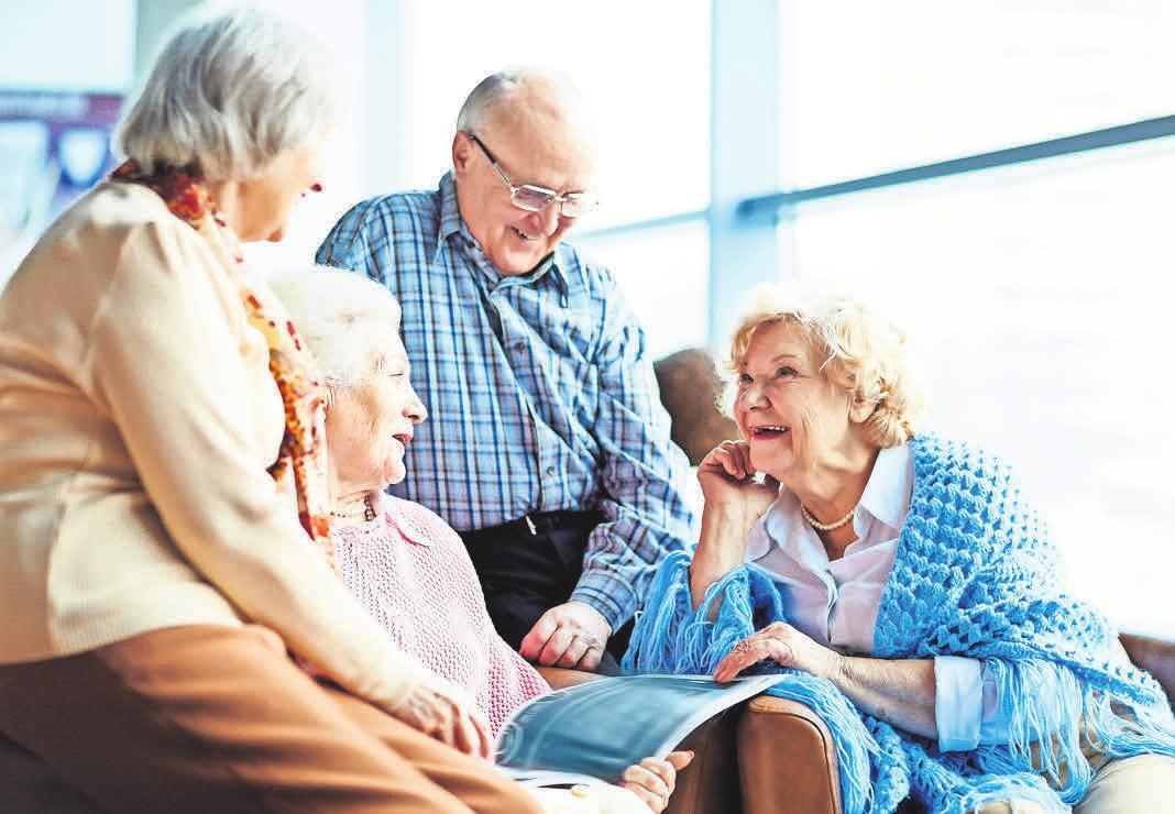 Freundschaften im Alter sind wichtige Stützen. istockphoto.com/shironosov