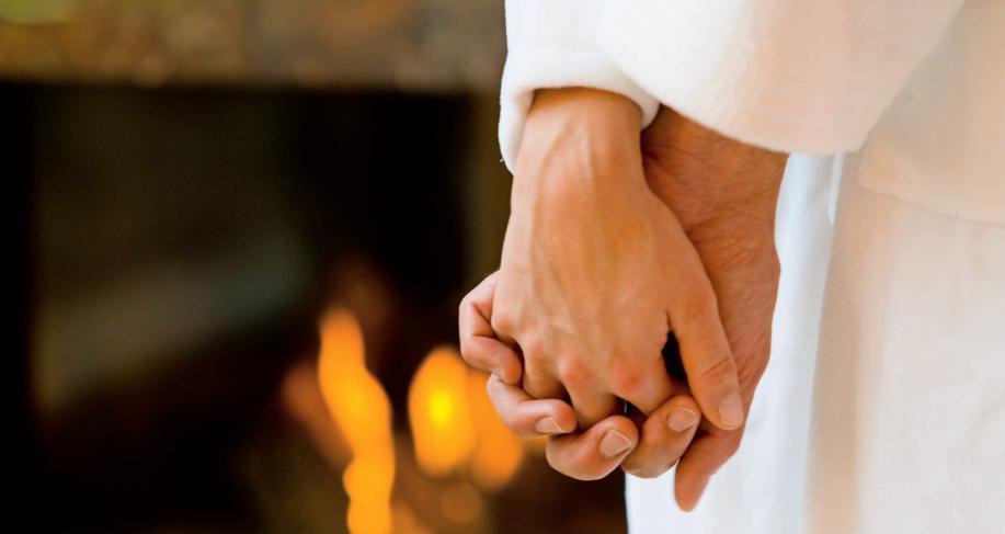 Die romantische Saunanacht im Rappsodie ist die perfekte Veranstaltung für alle, die in gediegener Atmosphäre entspannen und die Seele baumeln lassen wollen. Foto: pr