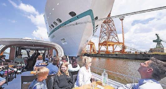 Hafenrundfahrt in Bremerhaven. Foto: Wolfhard Scheer/Erlebnis Bremerhaven