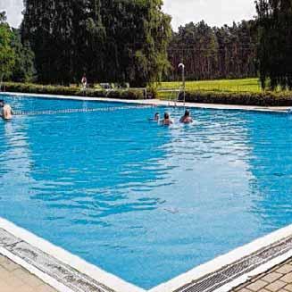 Das Waldschwimmbad Dobberkau/Möllenbeck sorgt an heißen Sommertagen für Abkühlung. Fotos: EGH Stadt Bismark