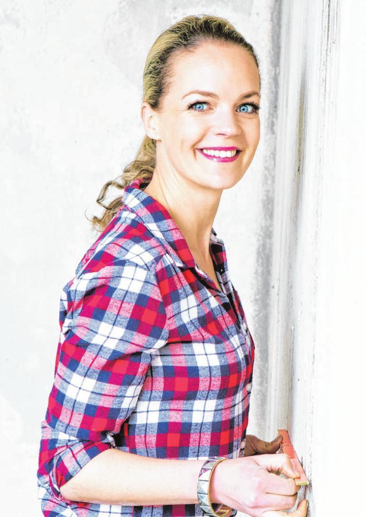 TV-Moderatorin Eva Brenner ist am Samstag am Stand der Raiffeisenbank Voreifel eG zu Gast. Foto: Fotocredit RTL II