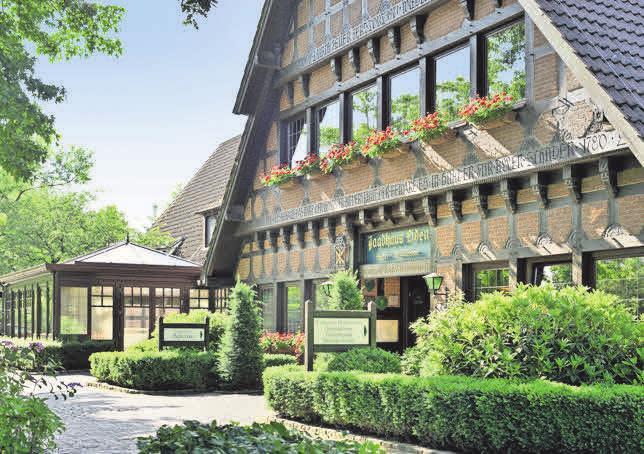 Am Zwischenahner Meer liegt das Romantik Hotel Jagdhaus Eiden. Fotos: iStockphoto.com/1069699372_Leonid Andronov/privat