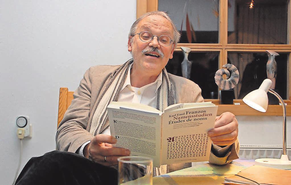 Oskar Ansull liest Gedichte und Prosa im Antikriegshaus.