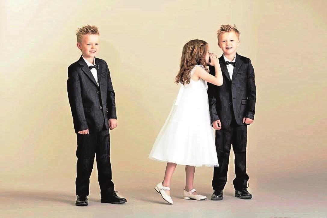 Reizende Hochzeitsgäste: Im perfekten Outfit aus der Boutique für Kinder- und Babymode glänzt auch der Nachwuchs perfekt am schönsten Tag im Leben der Brautleute. Foto: 123rf/ababaka