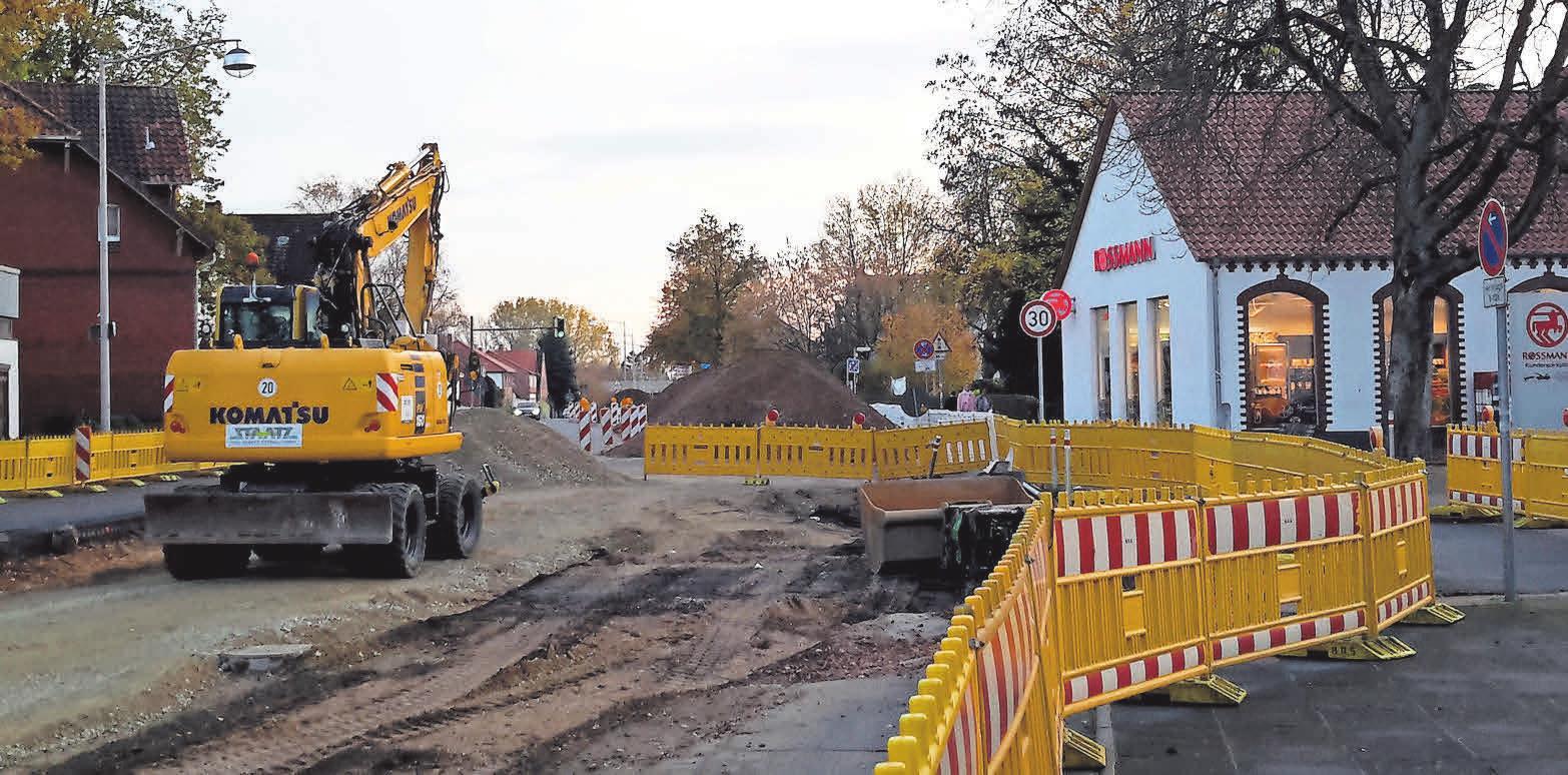 Wird die Brabeckstraße als eine der zentralen Straßen in Kirchrode mit viel Gewerbe auch nach Sanierung und Pandemie wieder Kunden in ausreichender Zahl locken? Foto: Nancy Heusel