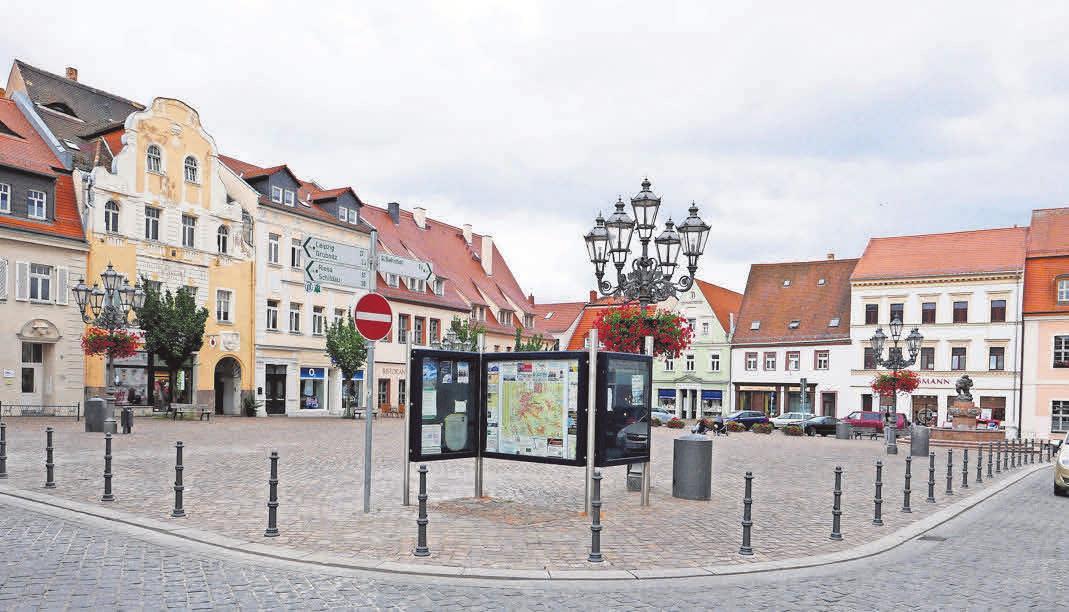 Wurzens Marktplatz wird zur Freiluftkirche. Foto: Kai-Uwe Brand