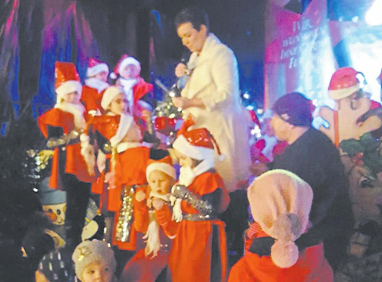 Sängerin Danielle wird am Samstag und Sonntag durch das weihnachtliche Bühnenprogramm führen. Foto: privat