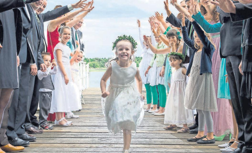 Kinder können auf verschiedene Weisen auf einer Hochzeit eine besondere Rolle spielen. Foto: Pixabay.comr