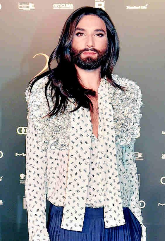 2017 Einer der Gäste der letztjährigen Operngala war Conchita. Der österreichische Gewinner des Eurovision Song Contests 2014 machte in diesem Jahr seine HIV-Infektion öffentlich. PA/BERND SETTNIK