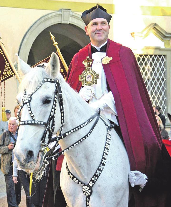 Dekan Ekkehard Schmid ist zum neunten Mal Heilig-Blut-Reiter. (Foto: Reinhard Jakubek)