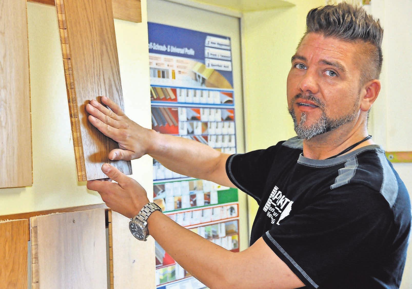 Der versierte Parkettleger Marc Gotthold trägt maßgeblich dazu bei, Innenräume dauerhaft zu verschönern.
