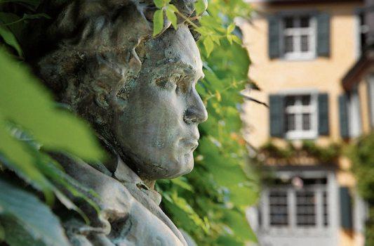 Im Beethovenjahr folgen viele Reisebusse der Tonspur des großen Komponisten. Bild: © Sonja Werner