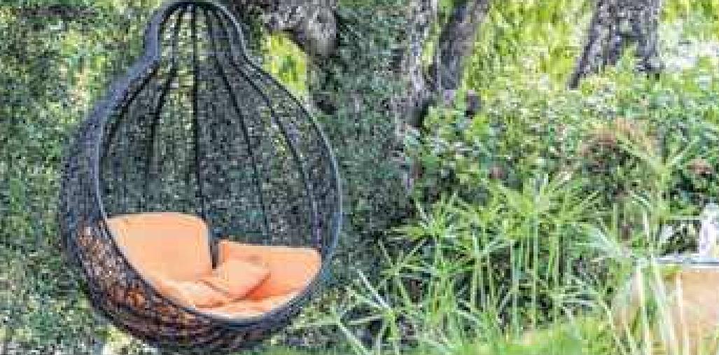 Was gibt es schönere als einfach im Garten abzuhängen? Foto: P. Kraichana/Shutterstock