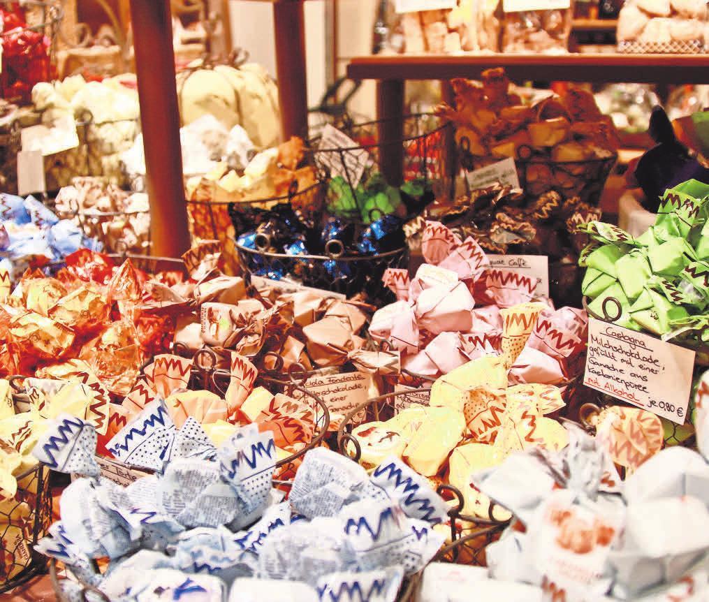 Dürfen unterm Weihnachtsbaum nicht fehlen: Süße Köstlichkeiten.