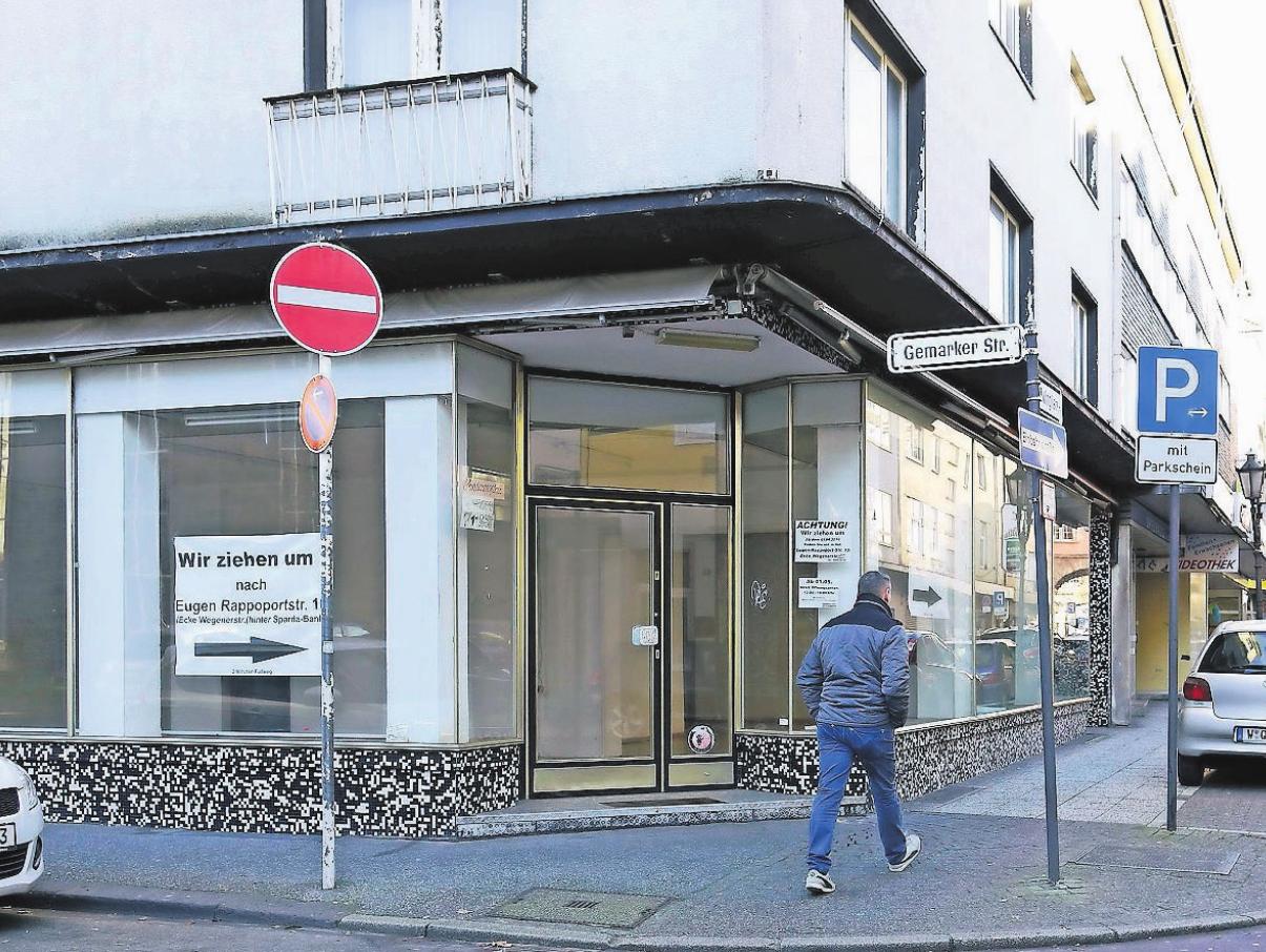 Leerstehender Einzelhandel in Barmen. Beim WZ-Forum Immobilien wird der Vorschlag diskutiert, in solchen Gebäuden neues Wohnen zu etablieren. Archivfoto: Anna Schwartz