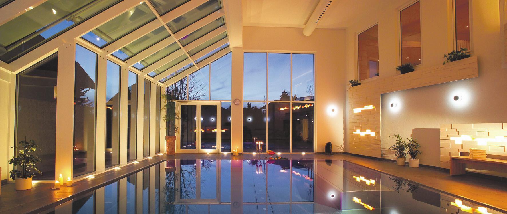 Lädt zum Entspannen ein: der Wellnessbereich. Foto: Hotel Alpenblick