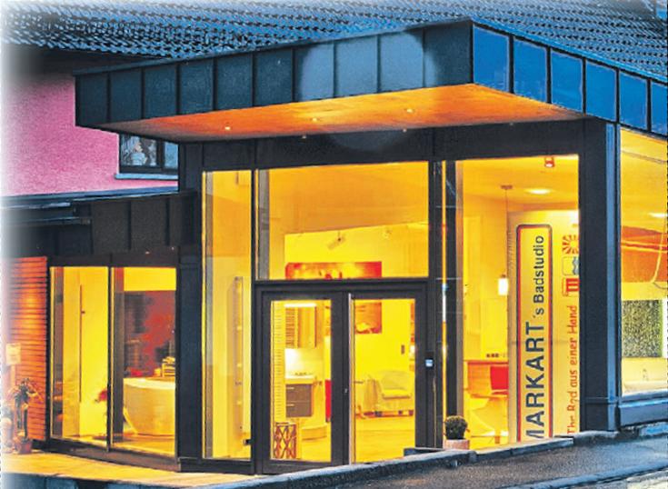 Der moderne Firmensitz mit großer Ausstellungsfläche (Foto: ART-irene)
